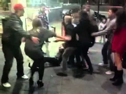 Five-way catfight outside Houston club - Fail