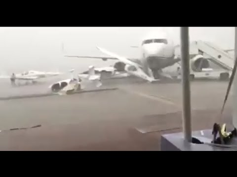 dubai biggest rain storm in 2016 planes collide in UAE