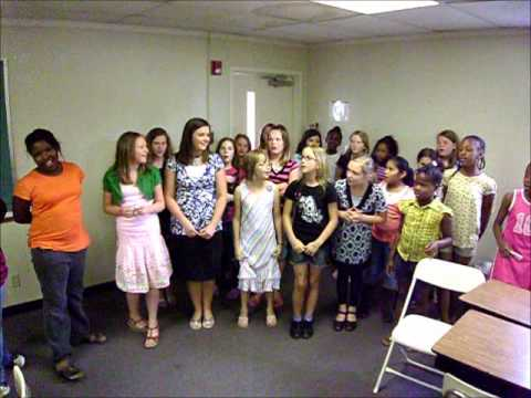 4th grade girls.singing the crayon box song.