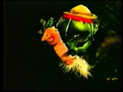 El Sapo y el Zopilote - La Cucaracha (Teatro Negro)