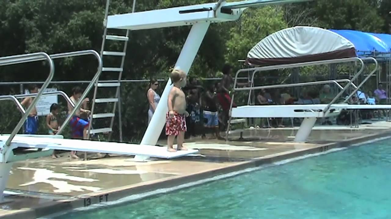 1 year old and 3 year old jumping off diving boards - YouTube