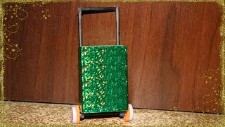 Как Сделать Дорожный Чемодан для Кукол.How to Make Doll Luggage [ Suitcase ](Сегодня мы сделаем Дорожный Чемодан для Кукол.Нам потребуется:Коробок от спичек,колёсики,самоклеющаяся..., 2014-10-19T13:45:44.000Z)