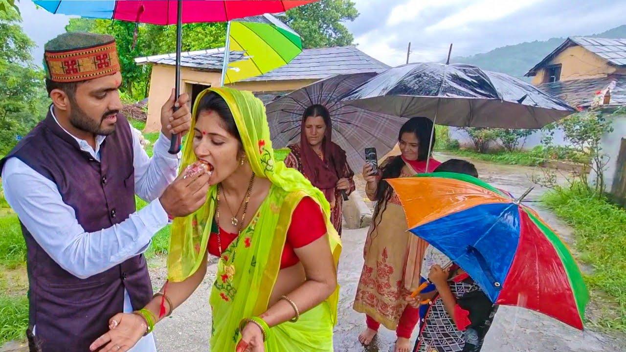Hp-28 छतरी के नीचे बर्थडे 🎂|🌧️|☔ Happy Birthday Par Barish aa gayi || Rainfall Birthday
