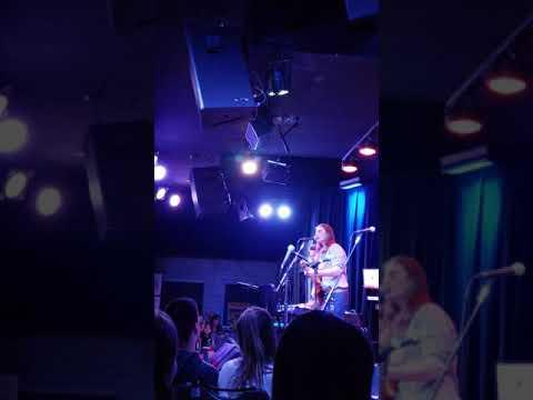 video:Anthony Arya singing Maggie's Farm