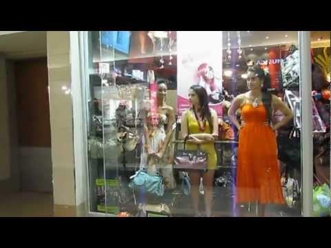 Butik Asia   Moving Maniquins   Video