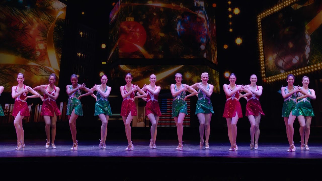 Show Clips: CHRISTMAS SPECTACULAR STARRING THE RADIO CITY