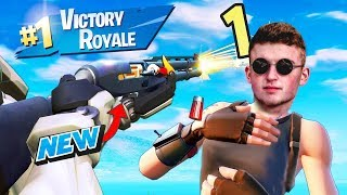 Infinite Lists Tries Out The COMBAT SHOTGUN.. (Fortnite LIVE) Use c...