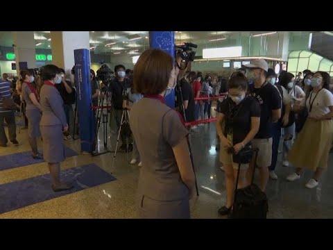 شاهد: رحلات طيران -مزيفة- لتوعية المسافرين بإجراءات تجنب كورونا…  - نشر قبل 3 ساعة