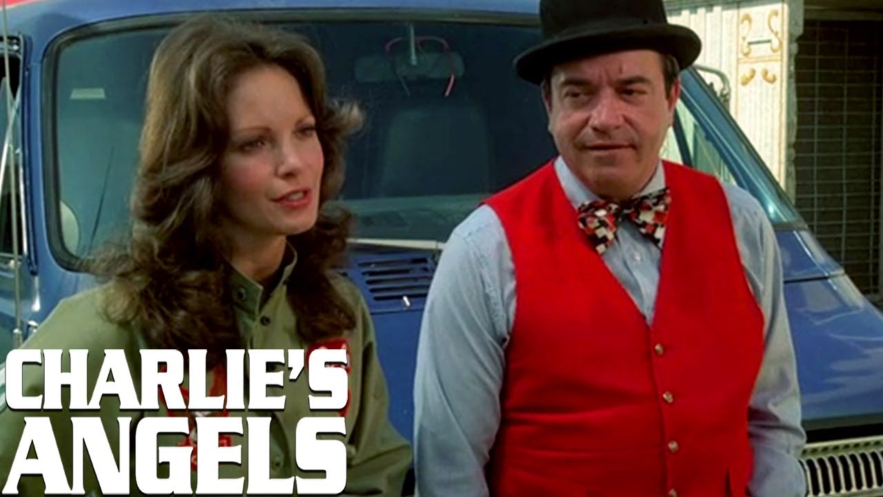 The Angels Join A Circus | Charlie's Angels