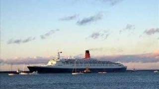 The QE2 Entering The Tyne For The First Time