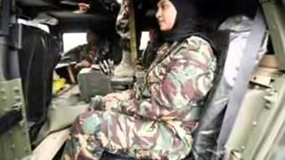 بنات يمنيات عسكرية