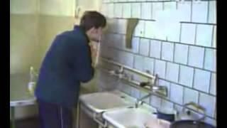 Прикол на общажной кухне   смотреть онлайн видео на Киви