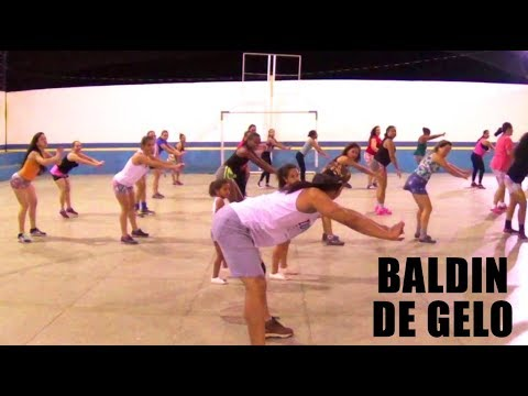 ZUMBA - Baldin de Gelo | Claudia Leitte | Professor Irtylo Santos