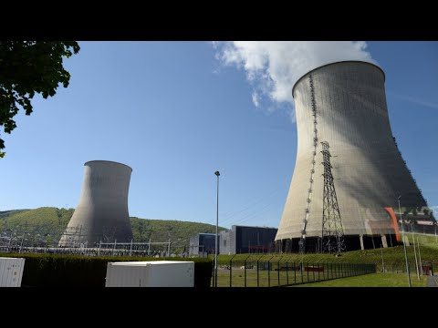 France could close 'up to 17' nuclear power plants by 2025
