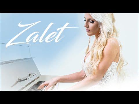 Смотреть клип Sara Reljic - Zalet
