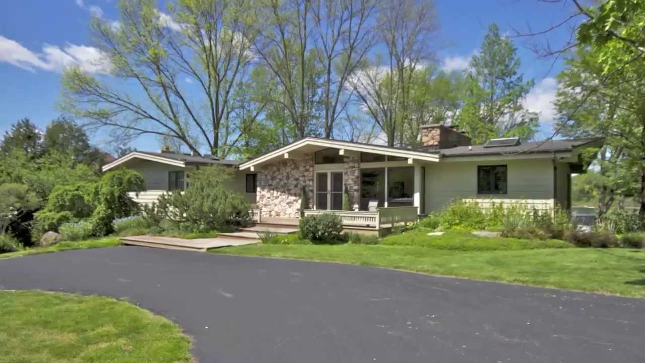 2677 Middleboro Lane NE Grand Rapids, MI. 49506 - YouTube