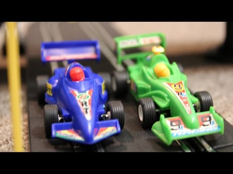 AWESOME RACE CAR TRACK Speed Way TOYS Crash RACING ACTION!