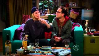 Леонард и Пенни пьют текилу