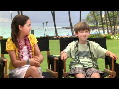 Bailee Madison and Griffin Gluck   Just Go With It