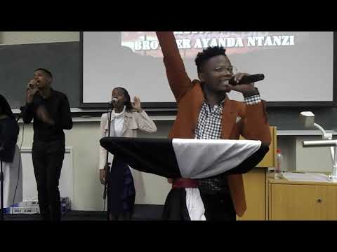ayanda-ntanzi-singing-wehlukile-@ukzn-scf-pmb