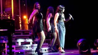 "Toni Braxton live at The Pearl, Las Vegas ""Let it flow"""