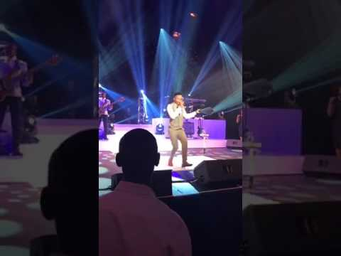 Nase Mpini Uyisihlangu- Ayanda Ntanzi Dances for Jesus