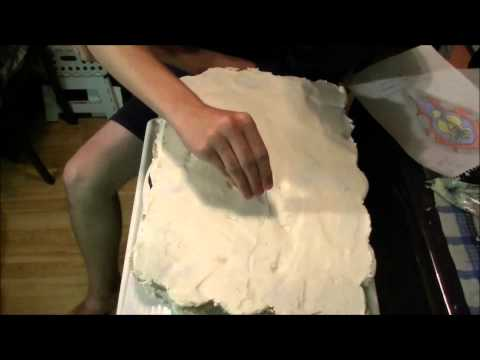 Bloopers! Jacob Tries to Decorate a Cake