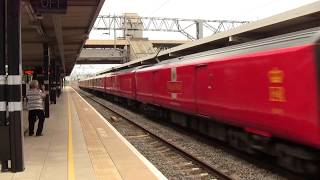 Class 325 004 and 325 007 Royal Mail train at bletchley station.