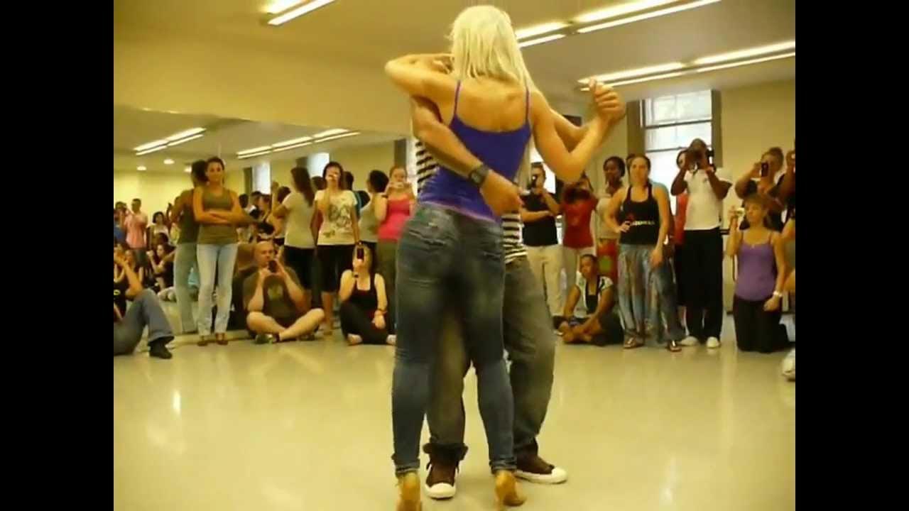 Сексуальный танец видео ютуб