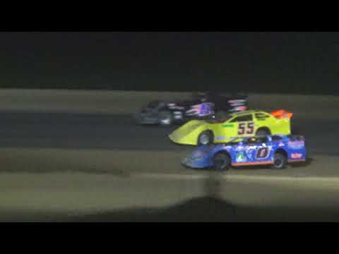 Late Model Feature at Crystal Motor Speedway, Michigan, on 08-11-2018!