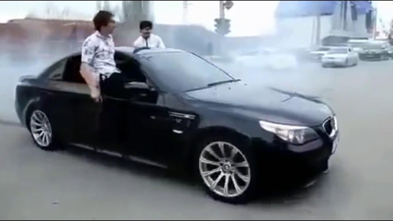 Чеченци гърмят с автомати и пистолети от BMW по време на сватба