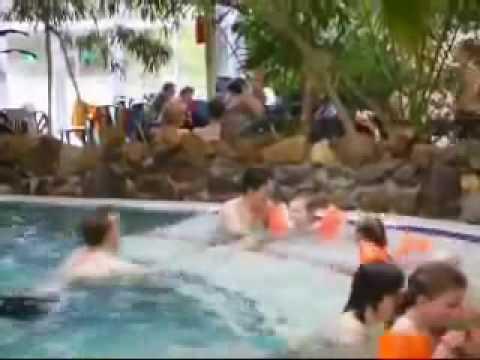 Het Vennenbos Zwembad.Vakantiepark Met Subtropisch Zwembad Het Vennenbos In Hapert2 Youtube