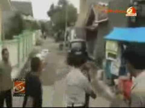 VIDEO Polisi Berkelahi Dengan Remaja [Adegan LIVE] Bonus Pelajar Hajar GURU