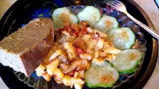 Жареная картошка Рецепт жареной картошки с перцем луком и помидоркой