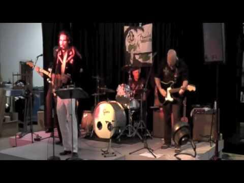 Fender® Uke Showcase 10: Ukulele Lady/Honolulu Baby Medley