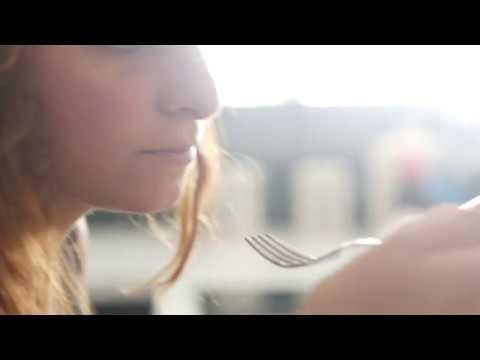 Eating 04 / Free Stock Footage (4K)