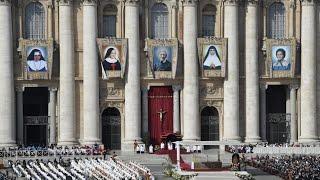 Nghi thức tuyên thánh cho 5 vị Chân Phước tại Vatican thật long trọng và cảm động