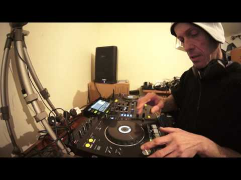 DJ MIXING LESSON ON FINDING A TUNE TO CHANGE OR KEEP THE VIBE