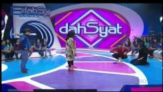 Video Virzha - Hadirmu @ Dahsyat plus duet feat Raffi Ahmad download MP3, 3GP, MP4, WEBM, AVI, FLV Maret 2018
