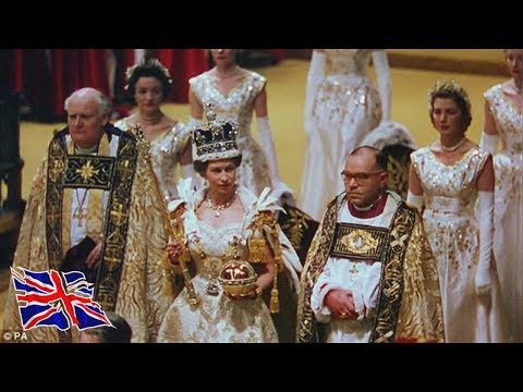 Queens amazing revelations about her royal gems  Queen Elizabeth II spoke candidly about vast jew