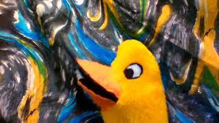 "Hippo presents Darla Ducky singing ""5 little ducks"""