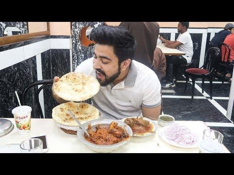 FAMOUS INDIAN STREET FOOD OF DELHI | OLD DELHI FOODP BUTTER CHICKEN TIKKA, MEAT KEBAB, MUTTON KORMA
