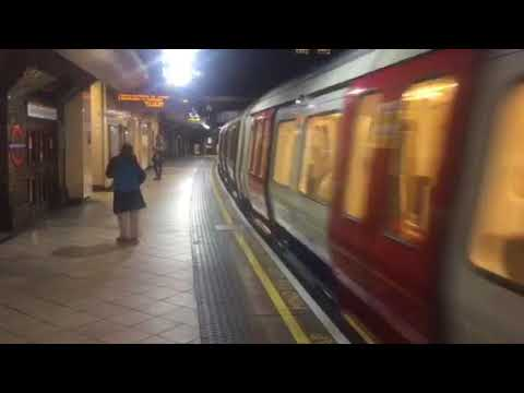 Hammersmith and city and Metropolitan line departing at Great Portland Street