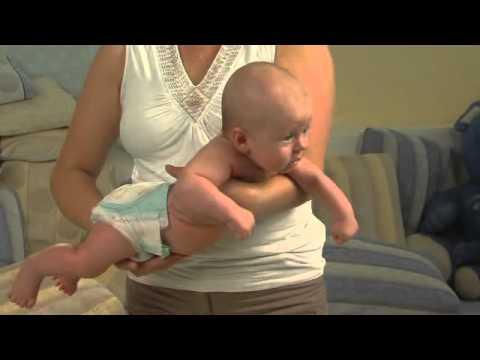 Как правильно держать ребенка? | Mamalara.ru