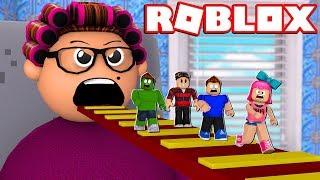 ESCAPE FROM GRANDMA SUPER DANGEROUS at ROBLOX! (Grandmas House Escape Obby)