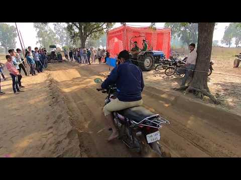 Motorcycle Race with HF CD-Deluxe in kasni harrow competition
