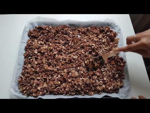Best Vegan Chocolate Granola