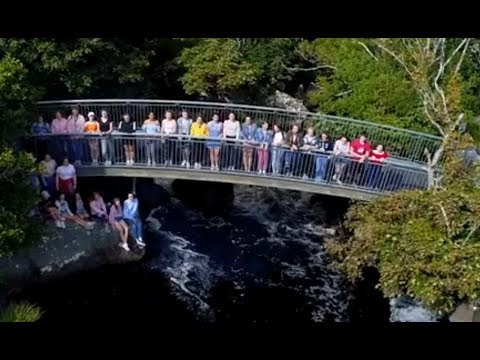 Down To The River To Pray - Gaeilge