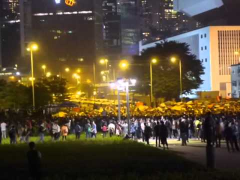 Protesters occupy government headquarter in Hong Kong (Nov. 30, 2014)