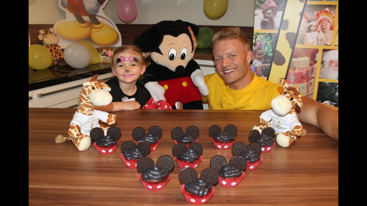 mickey mouse muffins backen fuer kinder party majas kleine backstube youtube. Black Bedroom Furniture Sets. Home Design Ideas